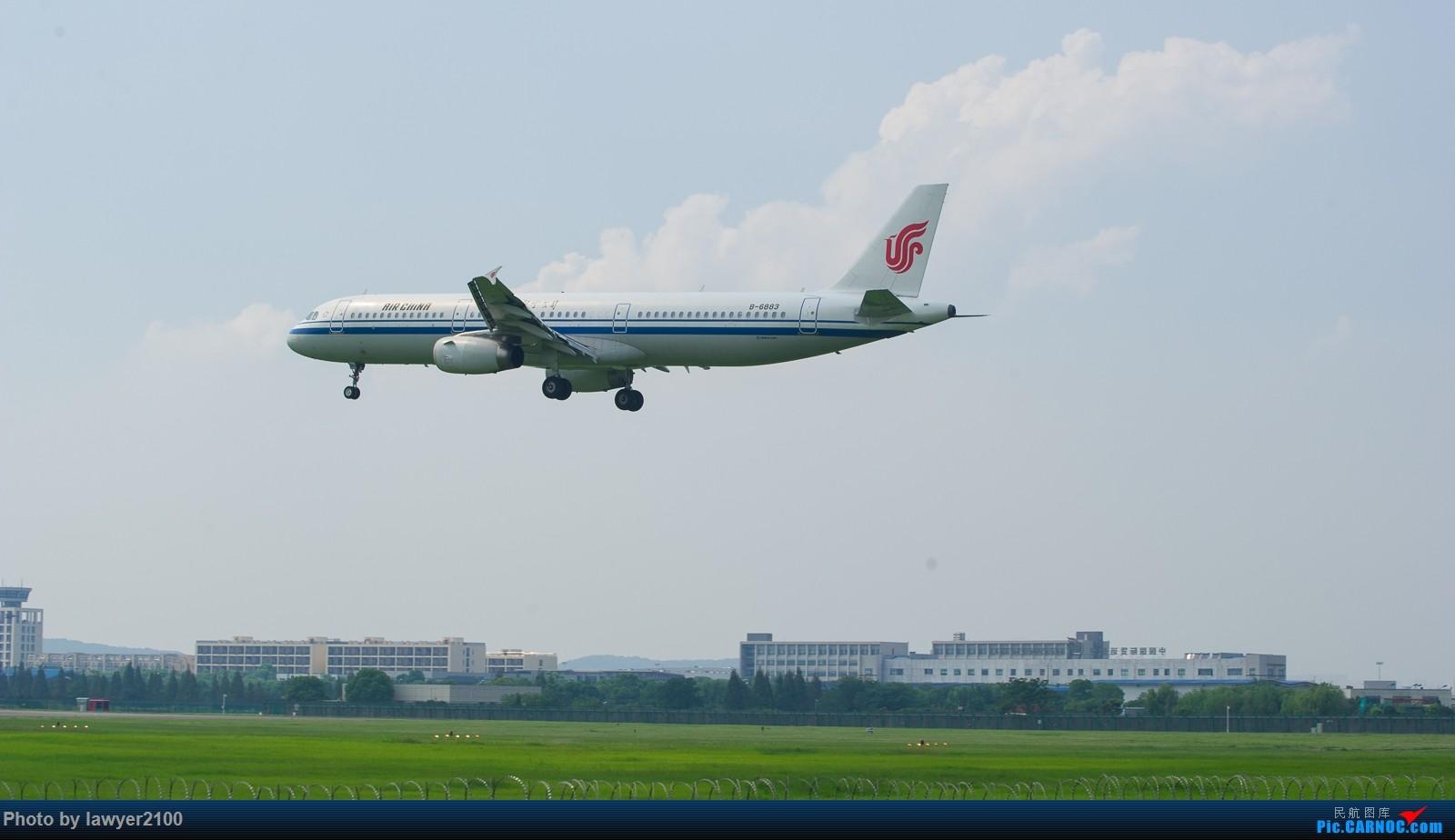 Re:[原创]HGH,一组落地背影 AIRBUS A321-200 B-6883 中国杭州萧山国际机场