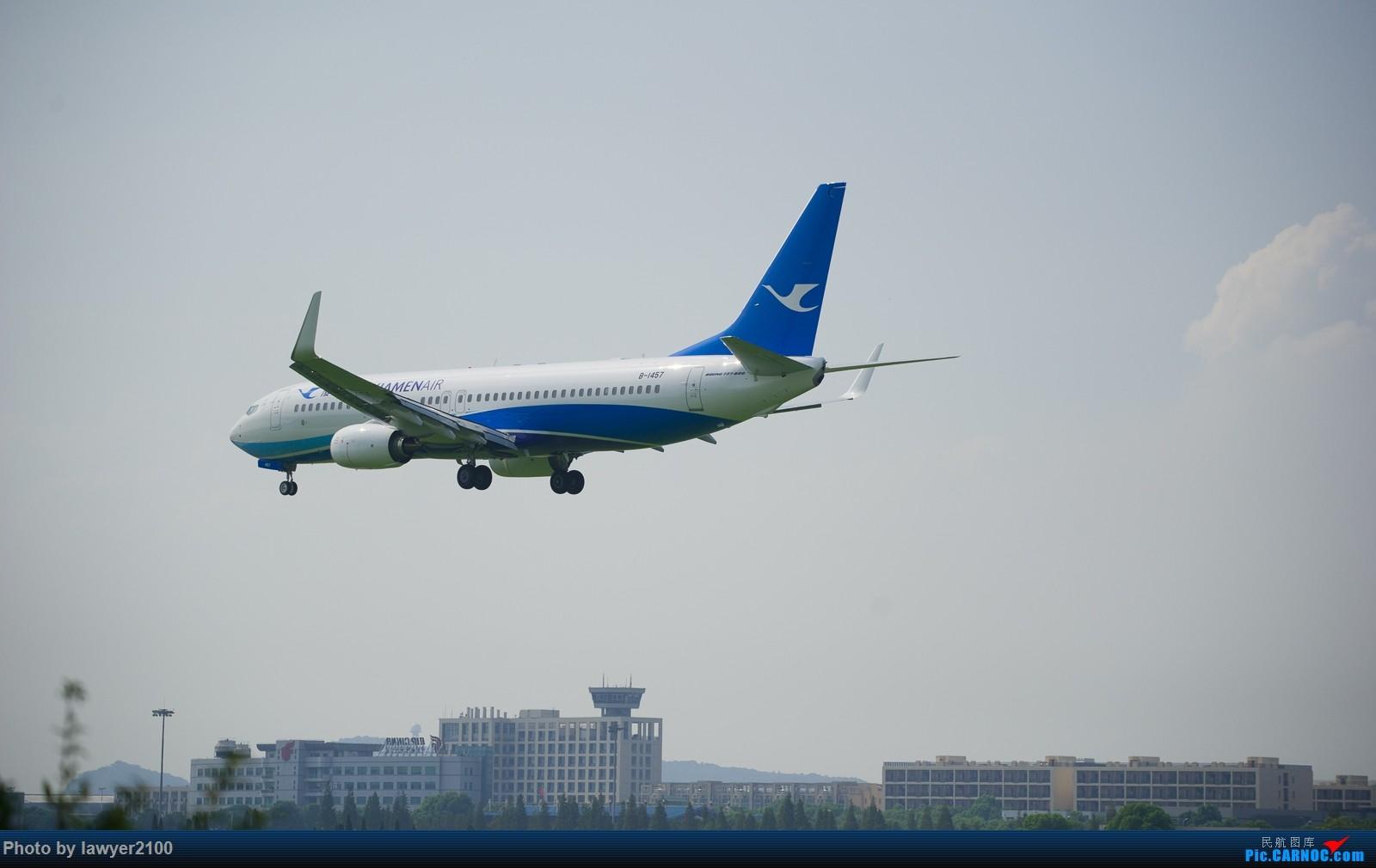 Re:[原创]HGH,一组落地背影 BOEING 737-800 B-1457 中国杭州萧山国际机场