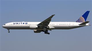 欢迎联合航空波音777-300ER——UA888航班光临北京首都机场!