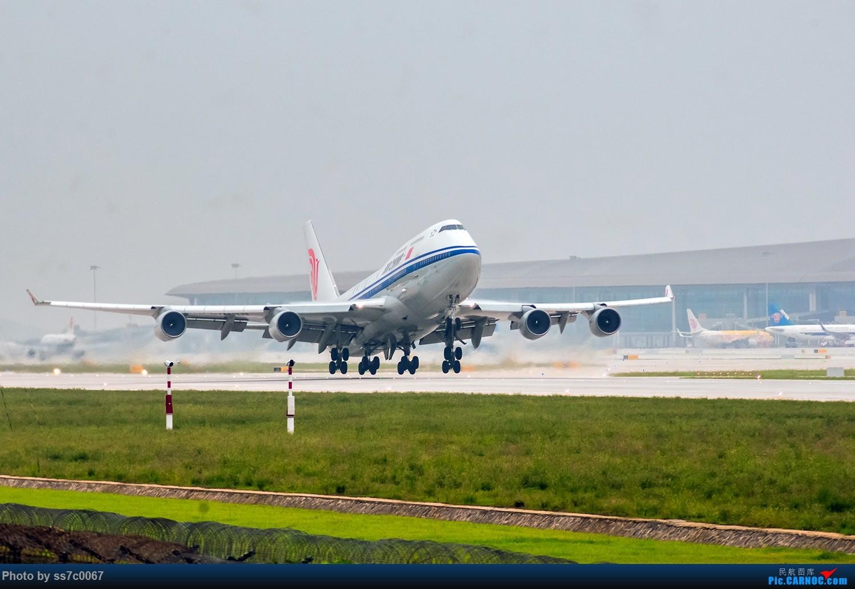 Re:[原创]欢迎2447、紫金号和紫宸号莅临CKG检查工作! BOEING 747-400 B-2447 中国重庆江北国际机场