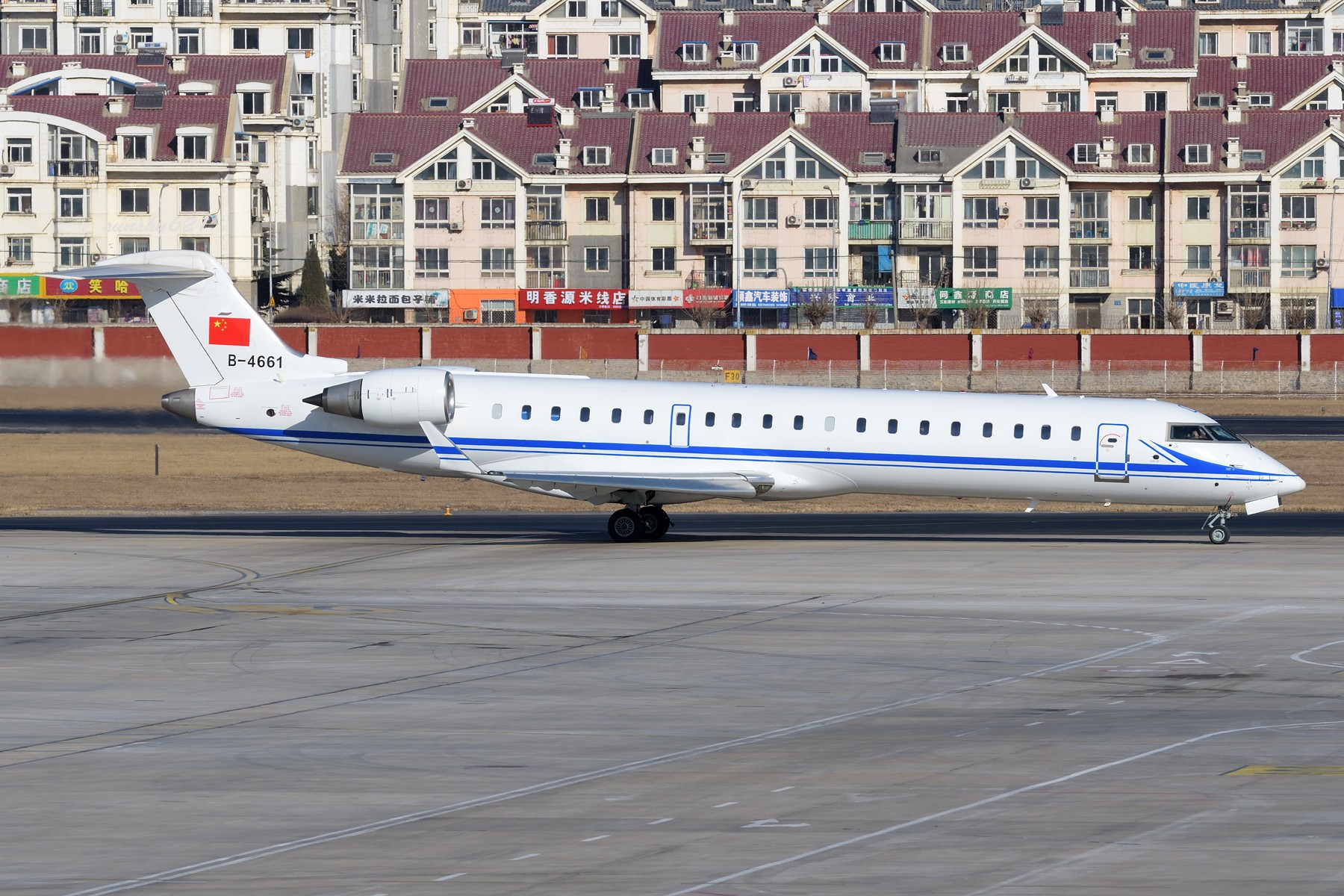 Re:[原创]★[DLC]一点有趣的事情(持续更新中)★ BOMBARDIER CRJ-700 B-4661 中国大连国际机场