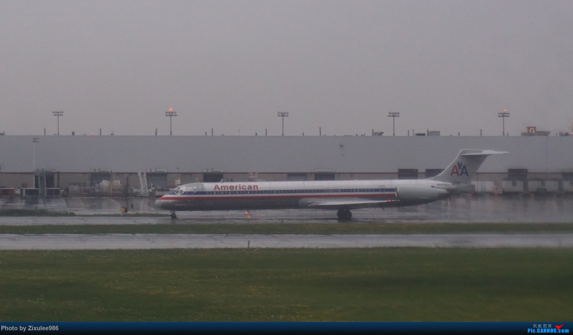 Re:[原创]加拿大21日游学之旅 (二)~加航AC28..PVG-YYZ到达多村后的雨天~多图缓更(将会附上上一集忘发的flightlog)请各位大侠谅解~ MD MD-80-82 N513AA 加拿大多伦多皮尔逊机场