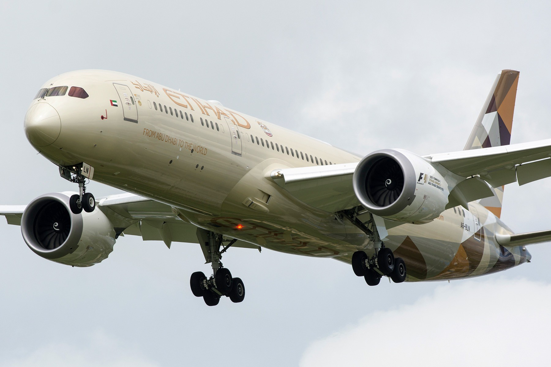 Re:[原创][PVG] 以土豪国告别777迎来787 BOEING 787-9 A6-BLN 中国上海浦东国际机场
