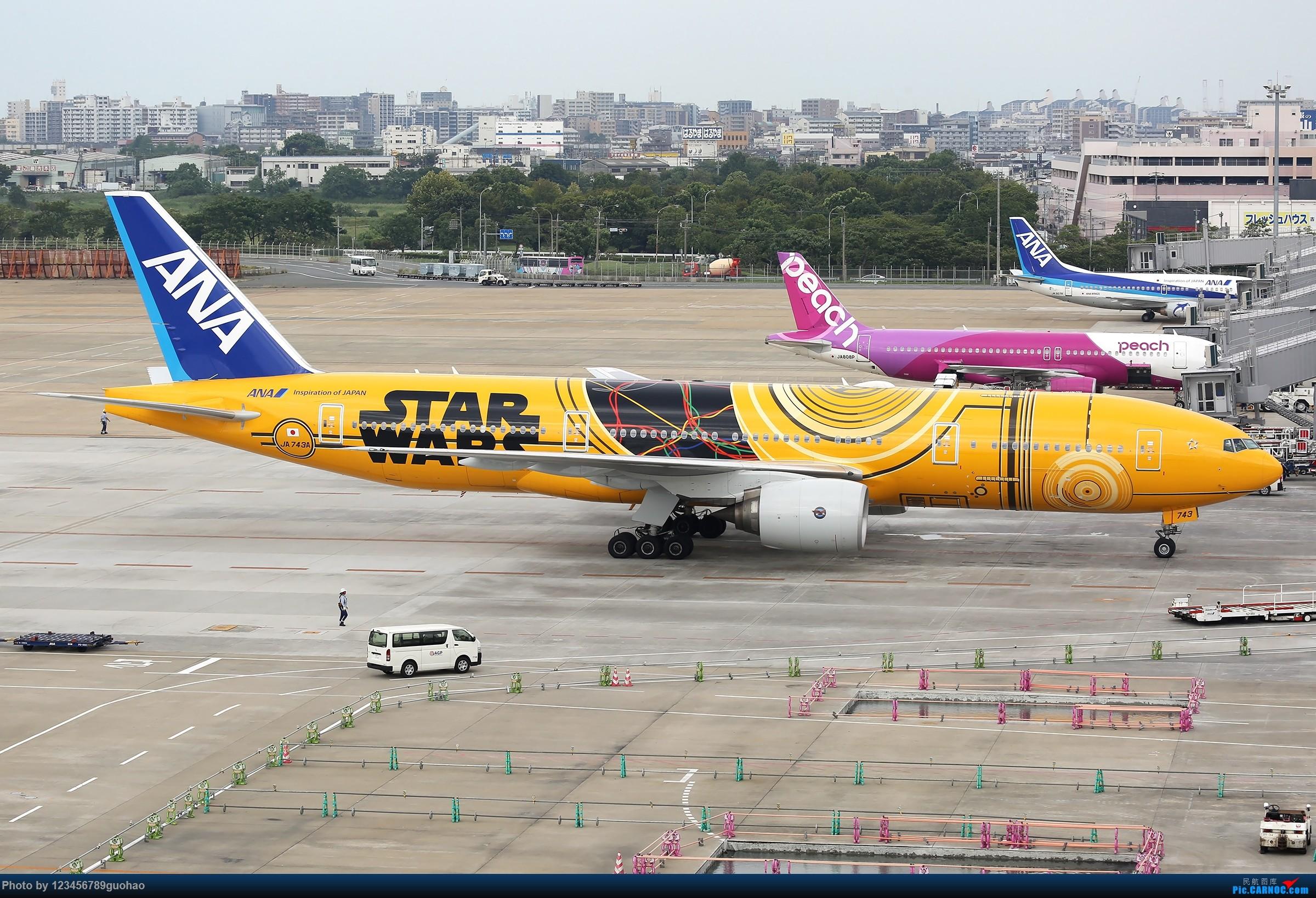 ANA星战 BOEING 777-200 JA743A 日本福冈机场