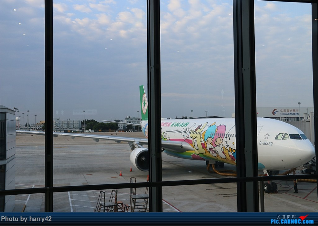 Re:[原创]【蜀黍游记No.4】又见面了,香港——抓住暑假的尾巴,寻找不一样的香港 AIRBUS A330-300 B-16332 中国上海虹桥国际机场