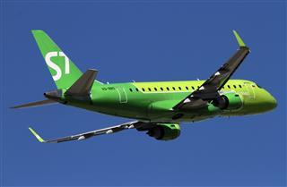 在PEK起飞的西伯利亚航空(S7)新装Embraer E-170.