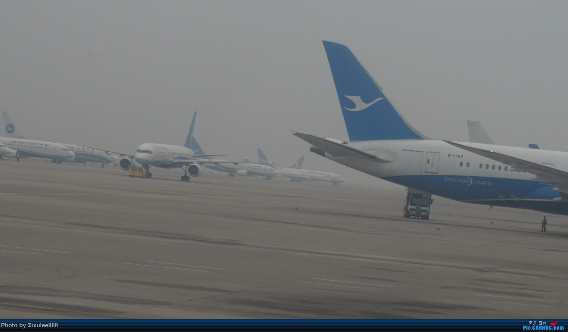 Re:[原创][XMN]寒假东北游随拍--厦航篇~头一次拍752 BOEING 757-200 B-2869 中国厦门高崎国际机场