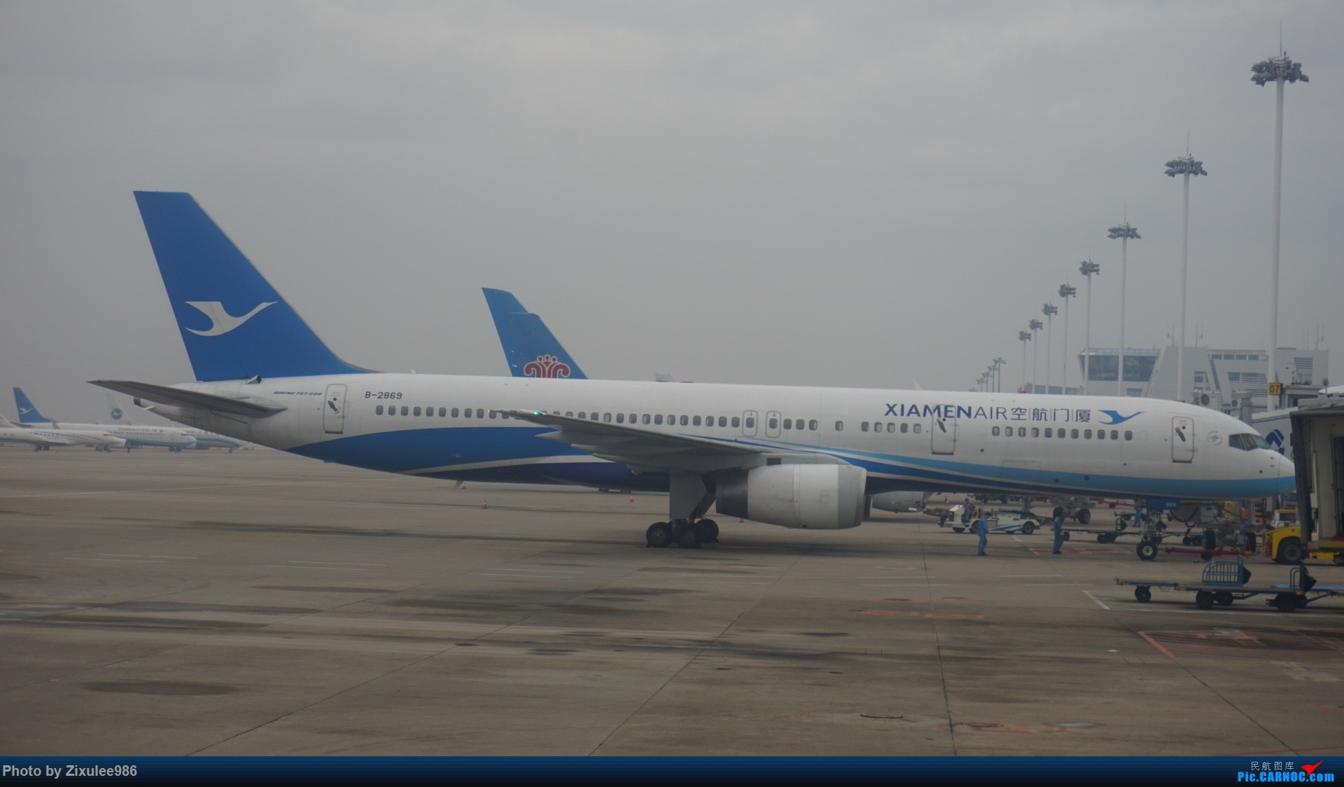 Re:[原创][XMN]寒假东北游随拍--厦航篇~头一次拍752 BOEING 757-25C B-2869 中国厦门高崎国际机场