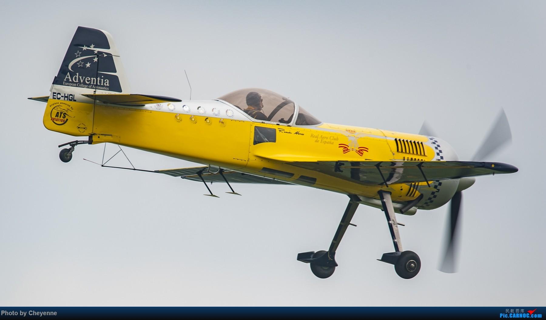 Re:[原创]外面遛遛就好,瞅瞅可爱的华约小蜜蜂 SUKHOI SU-31 EC-HGL 中国广汉机场