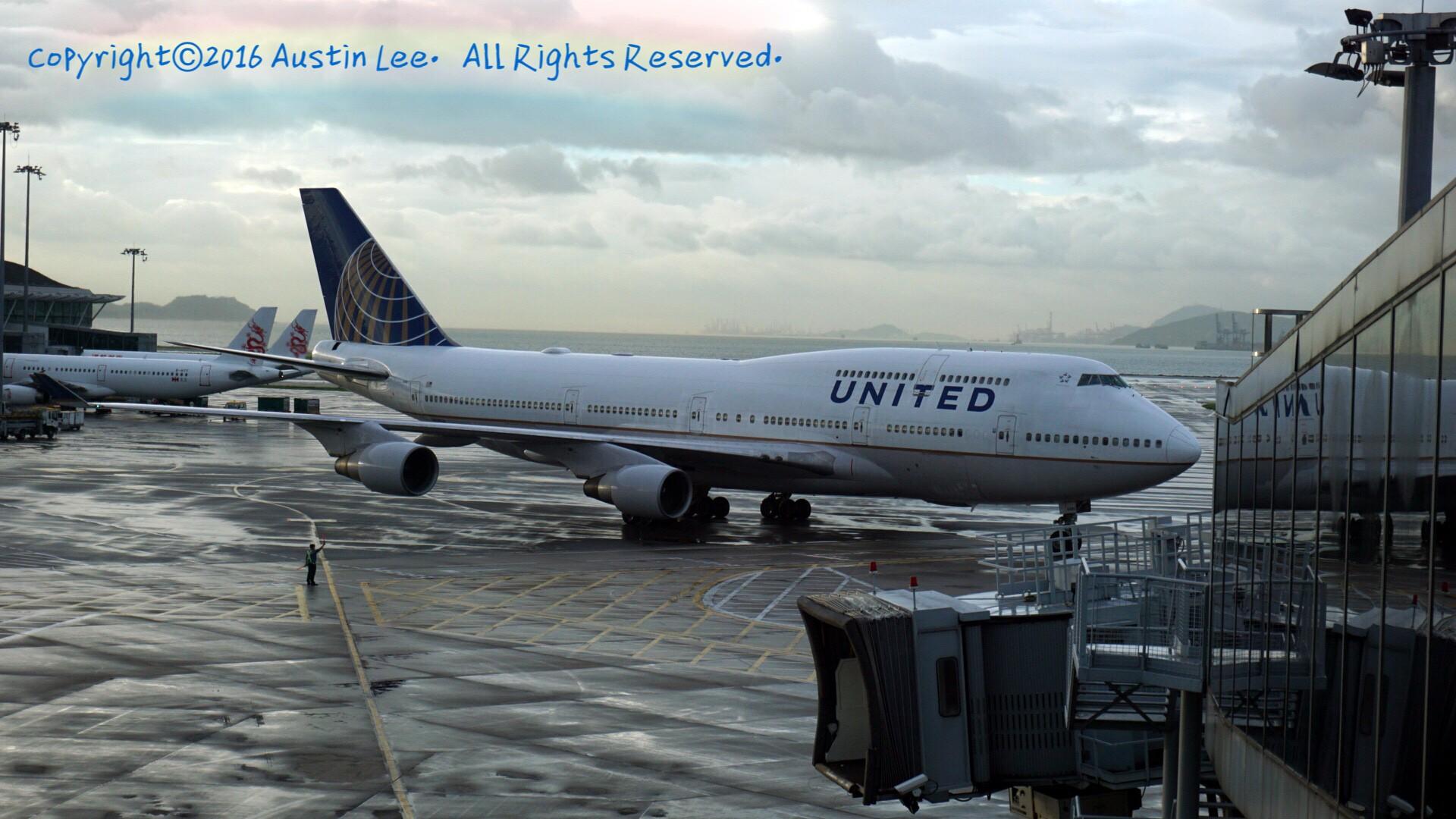 [原创]三年旅途的随拍精选~持续不定时update BOEING 747-422 N180UA 中国香港国际机场