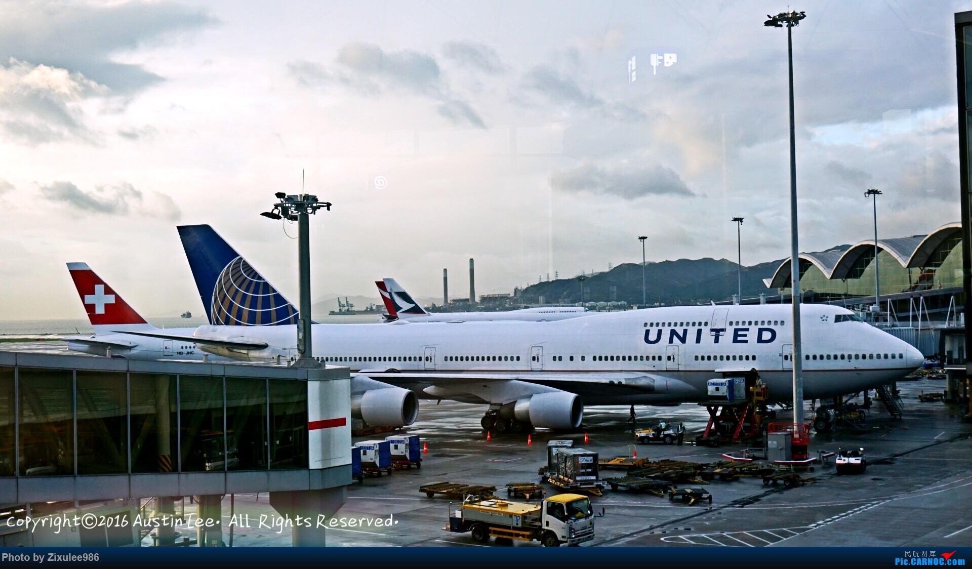 Re:[原创]论坛修复后第一波~三年来旅游途中的拍机精选~ BOEING 747-422 N180UA 中国香港国际机场