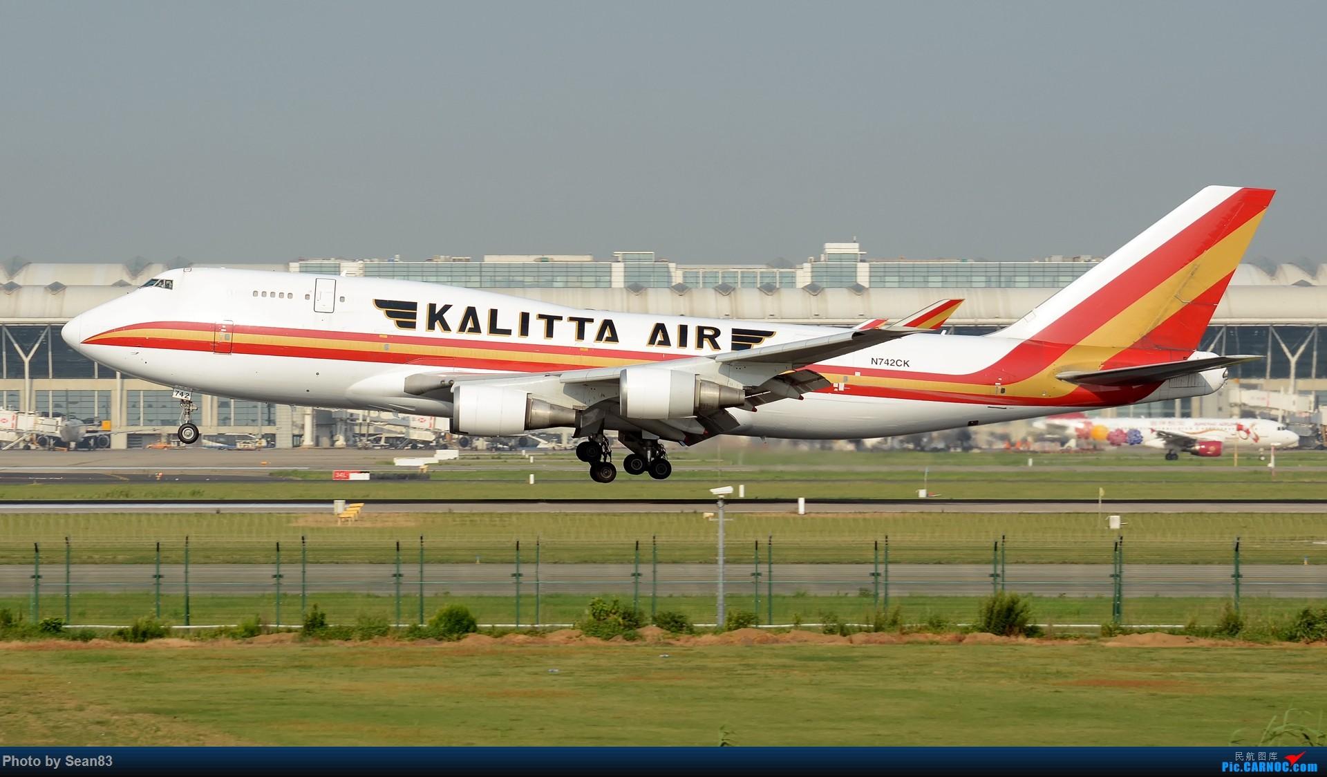 Re:[原创](1920*1080)放出一组壁纸 BOEING 747-400 N742CK 上海浦东国际机场