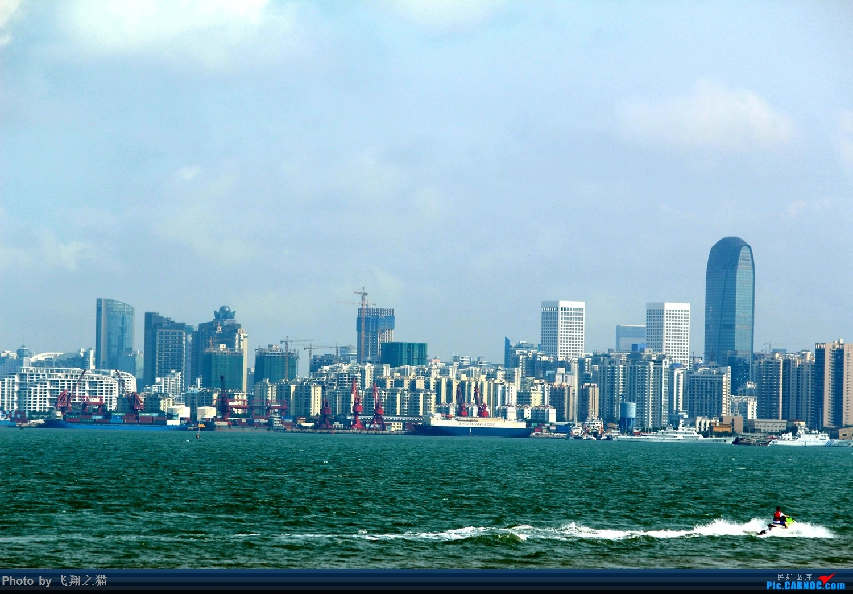 很喜歡這張,很有海邊大城市的現代都市感.