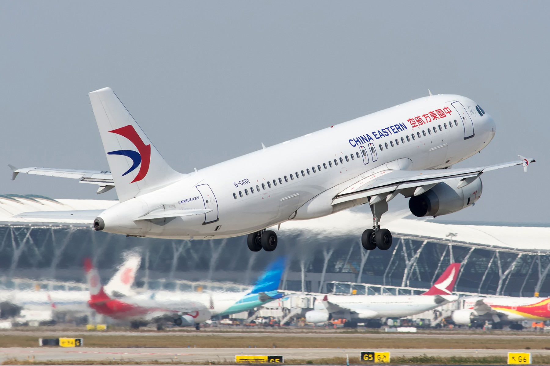[原创][PVG] 新老涂装不同小翼的东航320 AIRBUS A320-200 B-6601 中国上海浦东国际机场