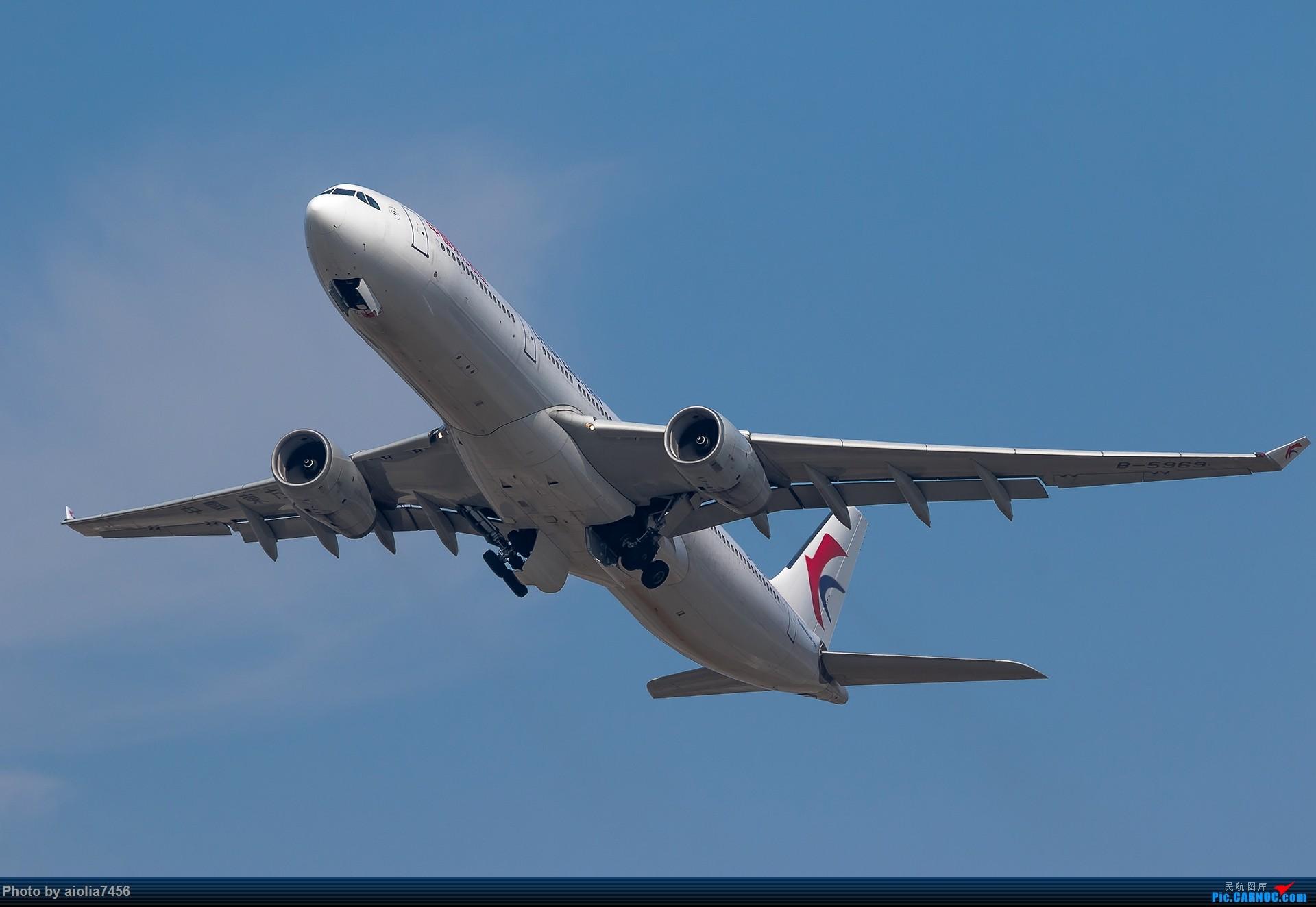 Re:[原创][霸都打机队]摸摸怀中的7D2,好宝宝,跟了新的主人你要乖乖听话哦,离开我之前,我带你逛一圈ZSSS,最后一次陪我看看那些我们不怎么看得到的宽体吧。 AIRBUS A330-300 B-5969 中国上海虹桥国际机场