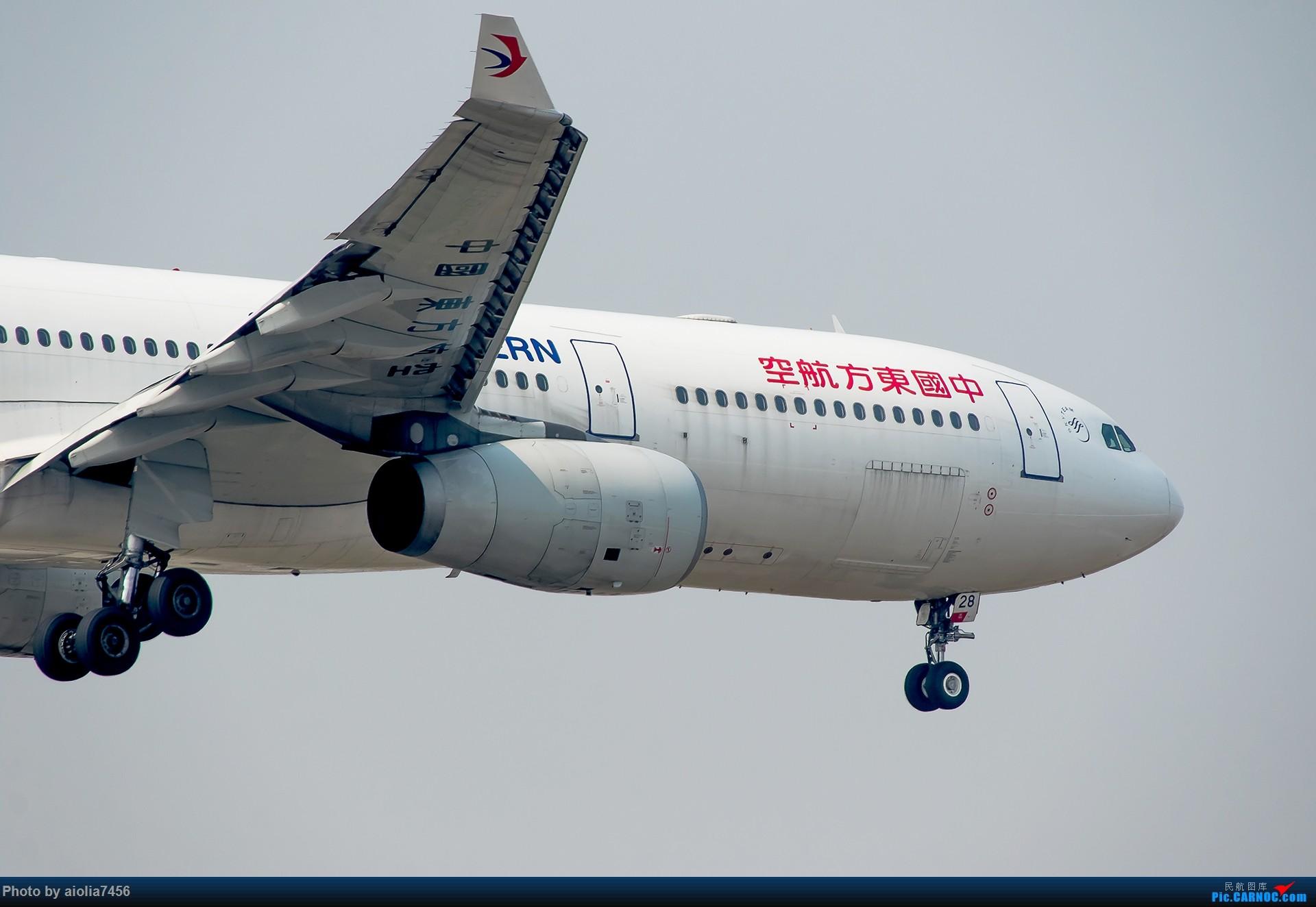 Re:[原创][霸都打机队]摸摸怀中的7D2,好宝宝,跟了新的主人你要乖乖听话哦,离开我之前,我带你逛一圈ZSSS,最后一次陪我看看那些我们不怎么看得到的宽体吧。 AIRBUS A330-300 B-6128 中国上海虹桥国际机场