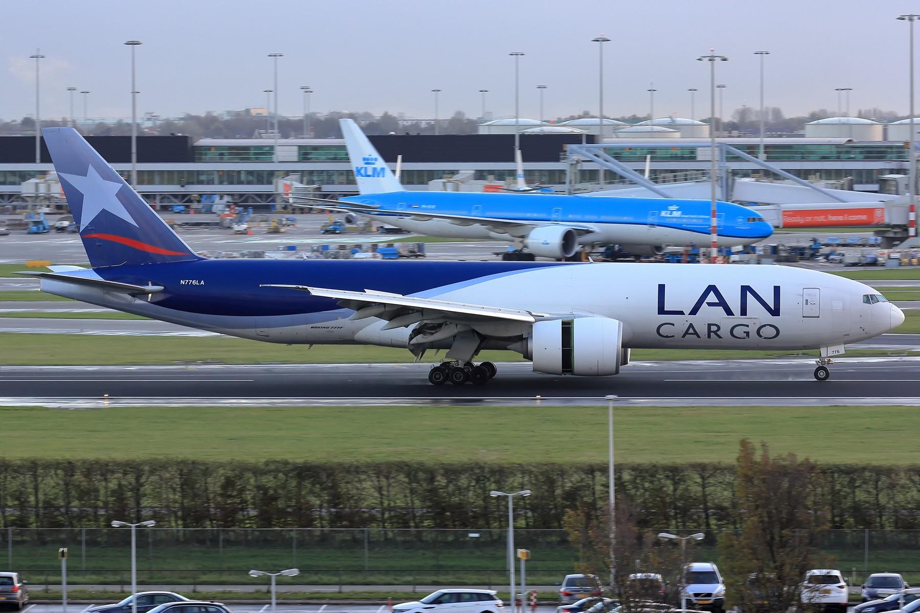 Re:[原创]【AMS】伪塔台视角吹水几张 1800大图 BOEING 777-200 N776LA 荷兰阿姆斯特丹史基浦机场