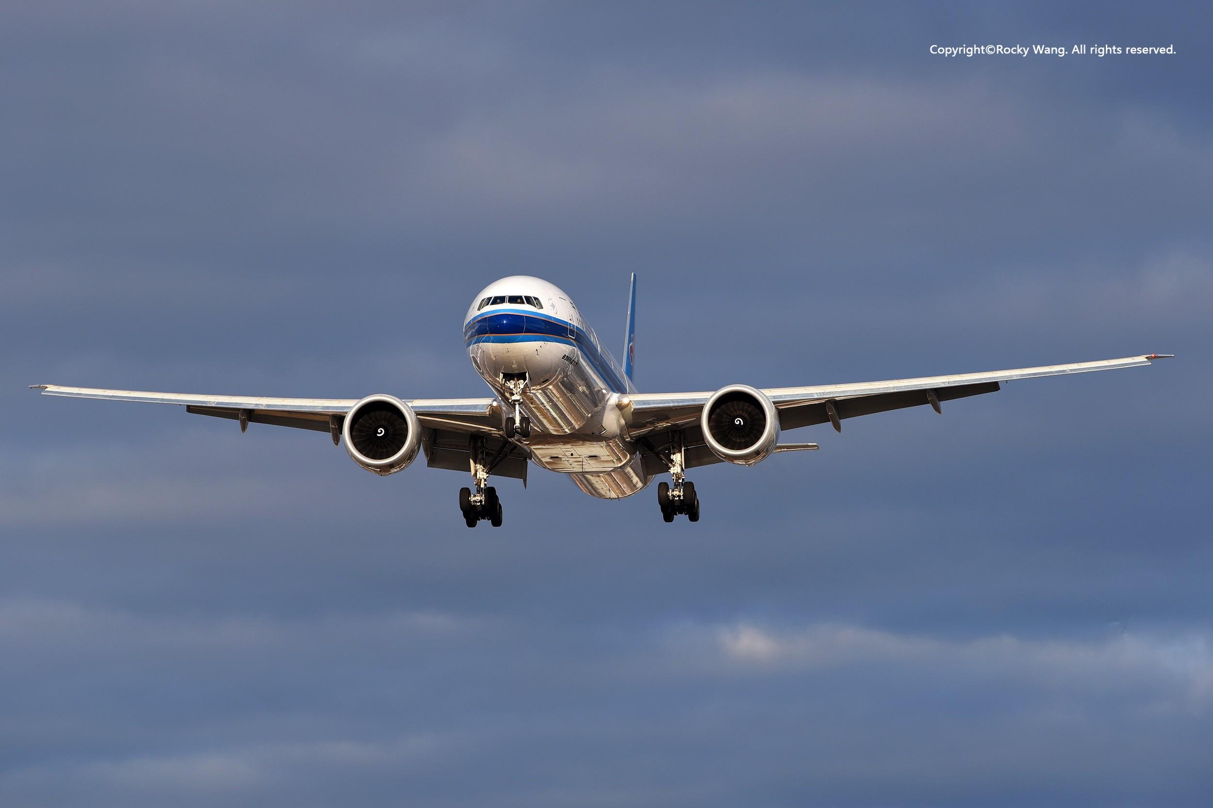 [原创]一图党--神光棒 BOEING 777-300ER B-2029 加拿大多伦多皮尔逊机场