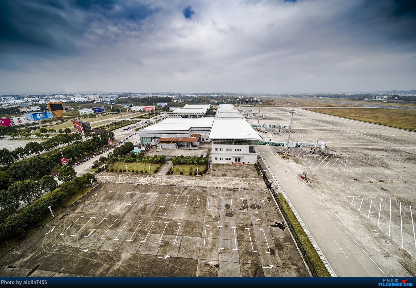 Re:[原创]【霸都打机队】换了机器后的第一帖-安徽小机场之旅    中国黄山屯溪国际机场