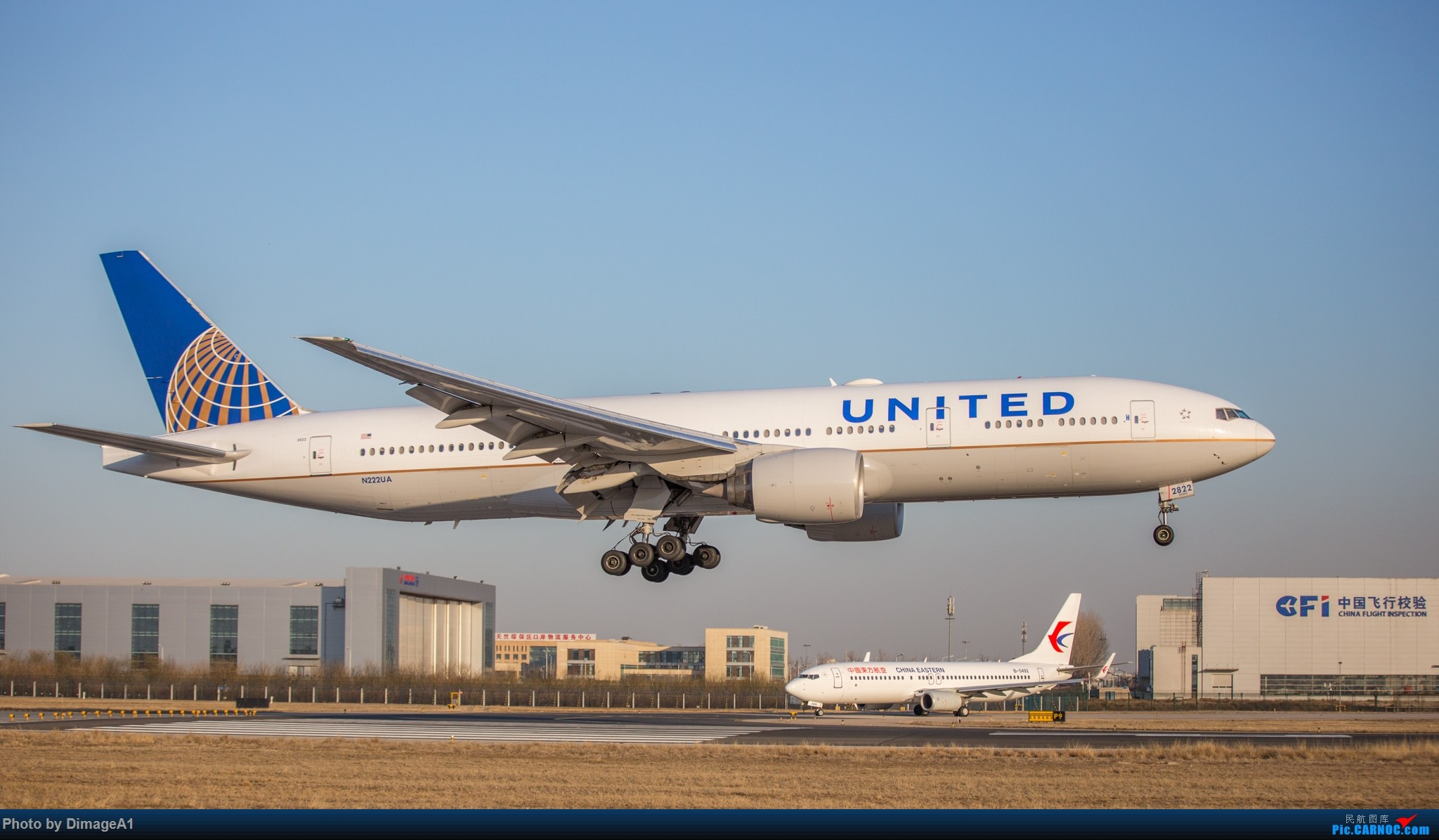 Re:[原创]美联航波音-777ER BOEING 777-200ER N222UA 首都机场