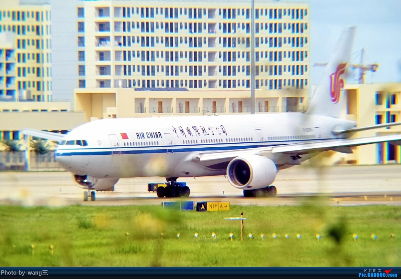 Re:[原创]发点图吧!国庆海口美兰拍机(由于手机拍摄,画质请谅解) BOEING 777-200 B-2067 中国海口美兰国际机场