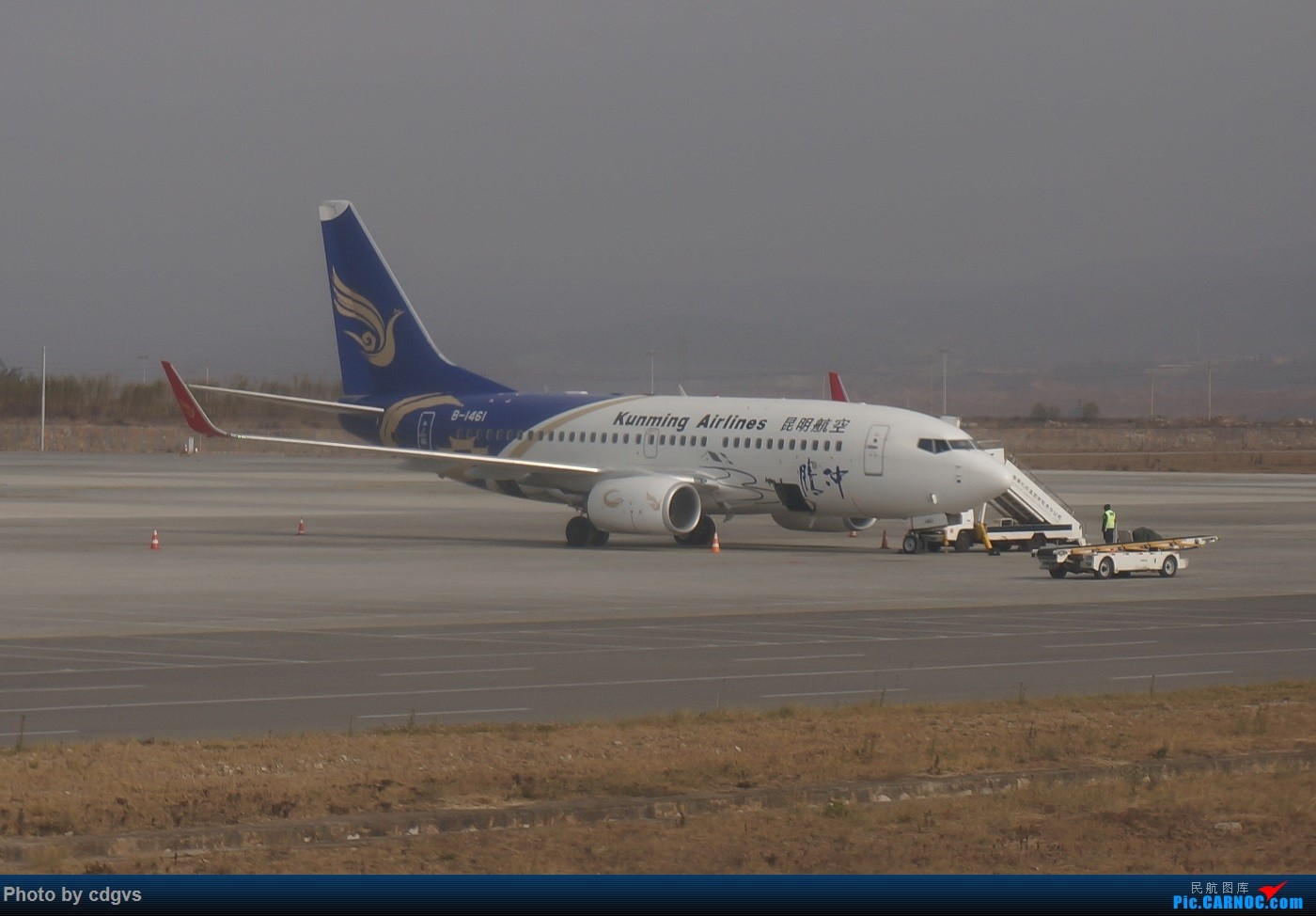 Re:[原创]KMG-LJG-KMG 东航&南航 省内刷航段,飞空客波音两种不同机型 BOEING 737-700 B-1461 中国昆明长水国际机场