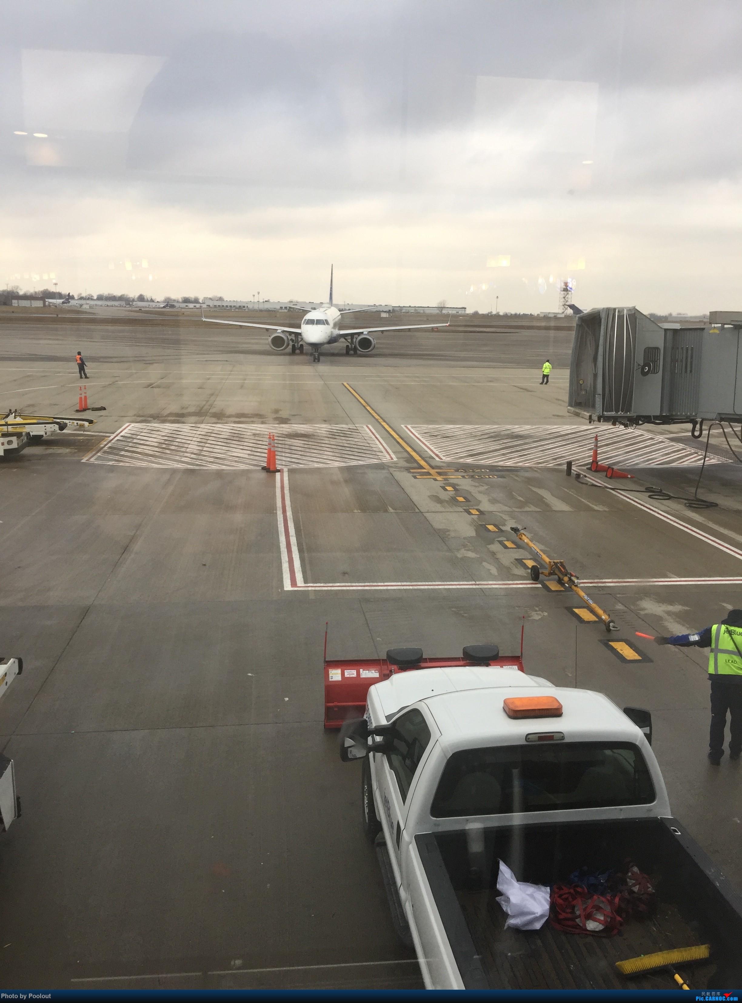 Re:[原创]E游记(1) JetBlue B6806/Delta DL6111 BUF<->BOS 首次以任何主题发表游记-2017圣诞冬假波士顿之行 EMBRAER E-190 N309 JB 水牛城尼加拉国际机场