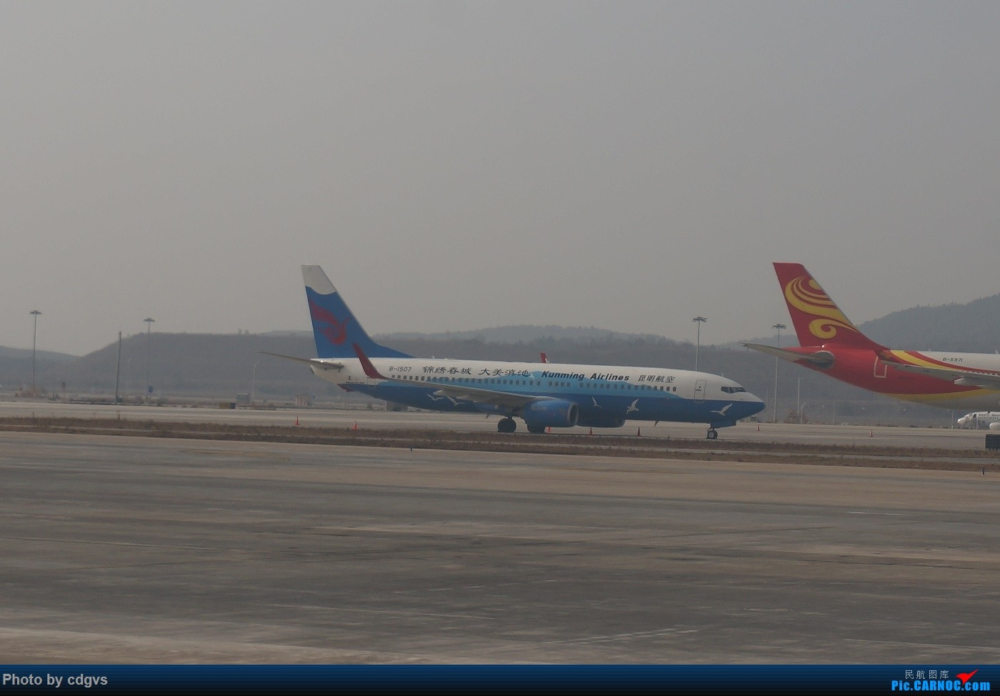 Re:[原创]KMG-LJG-KMG 东航&南航 省内刷航段,飞空客波音两种不同机型 BOEING 737-800 B-1507 中国昆明长水国际机场