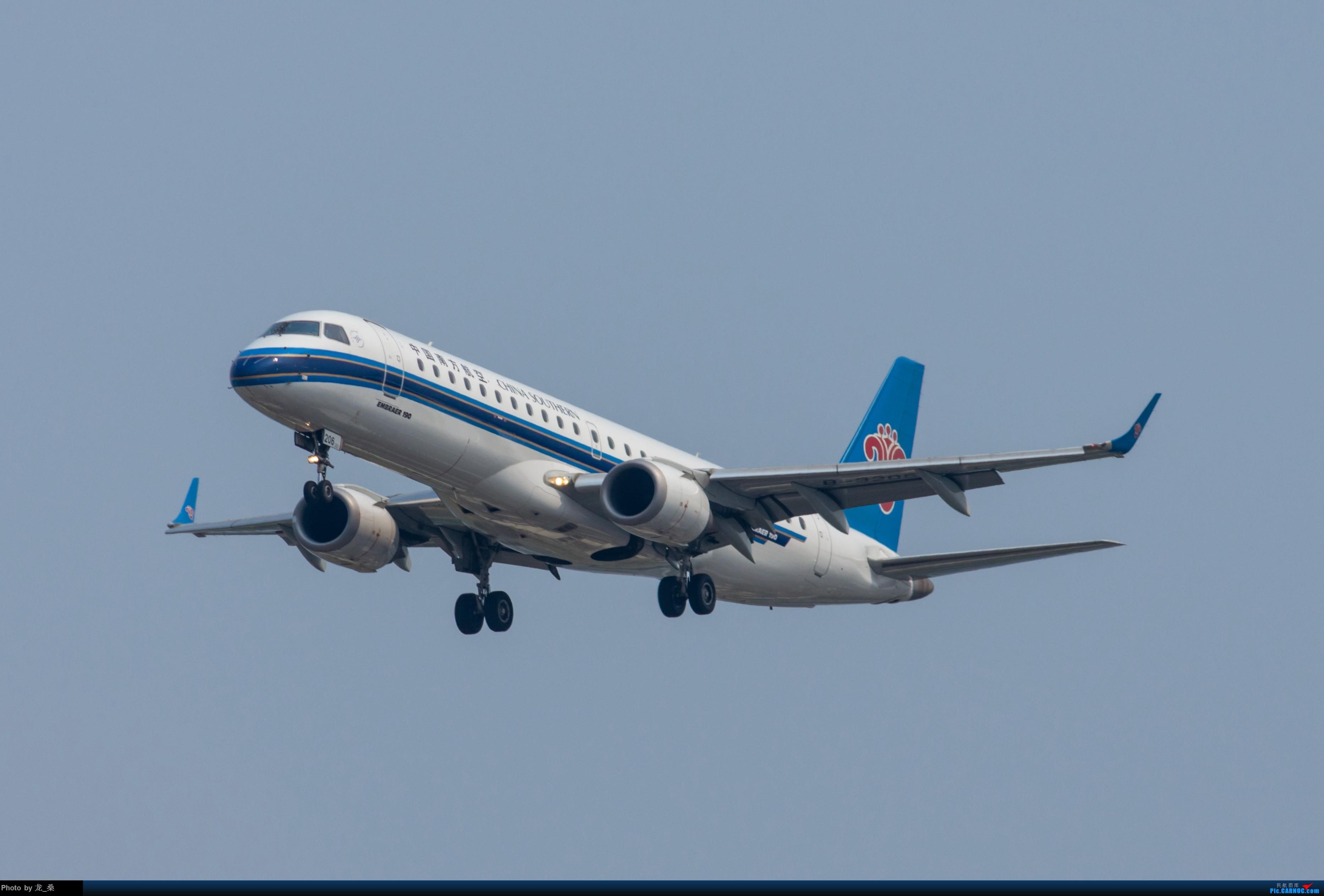Re:[原创]发一组老图,去年拍的CAN东跑道进近 EMBRAER E-190 B-3206 中国广州白云国际机场