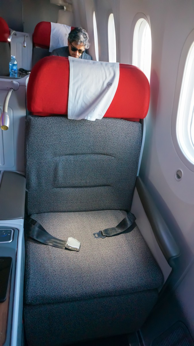 Re: [原创]【 寰球十万八千里   上集   取道南美 】 BOEING 787-9 CC-BGD 智利圣地亚哥机场