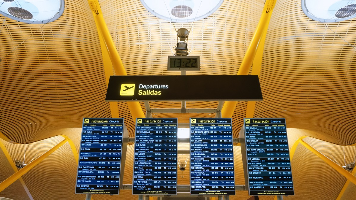 Re: [原创]【 寰球十万八千里   上集   取道南美 】    西班牙马德里机场