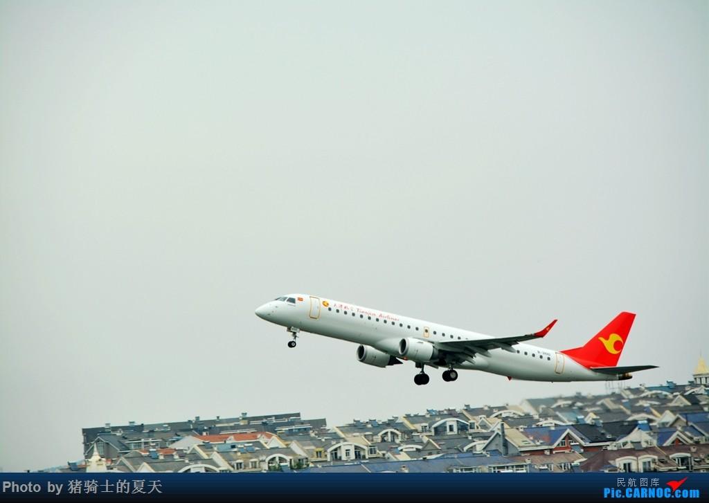 Re:[原创]2017鸡鸭图之烟大空中快线 EMBRAER E-195 B-3100 中国大连国际机场