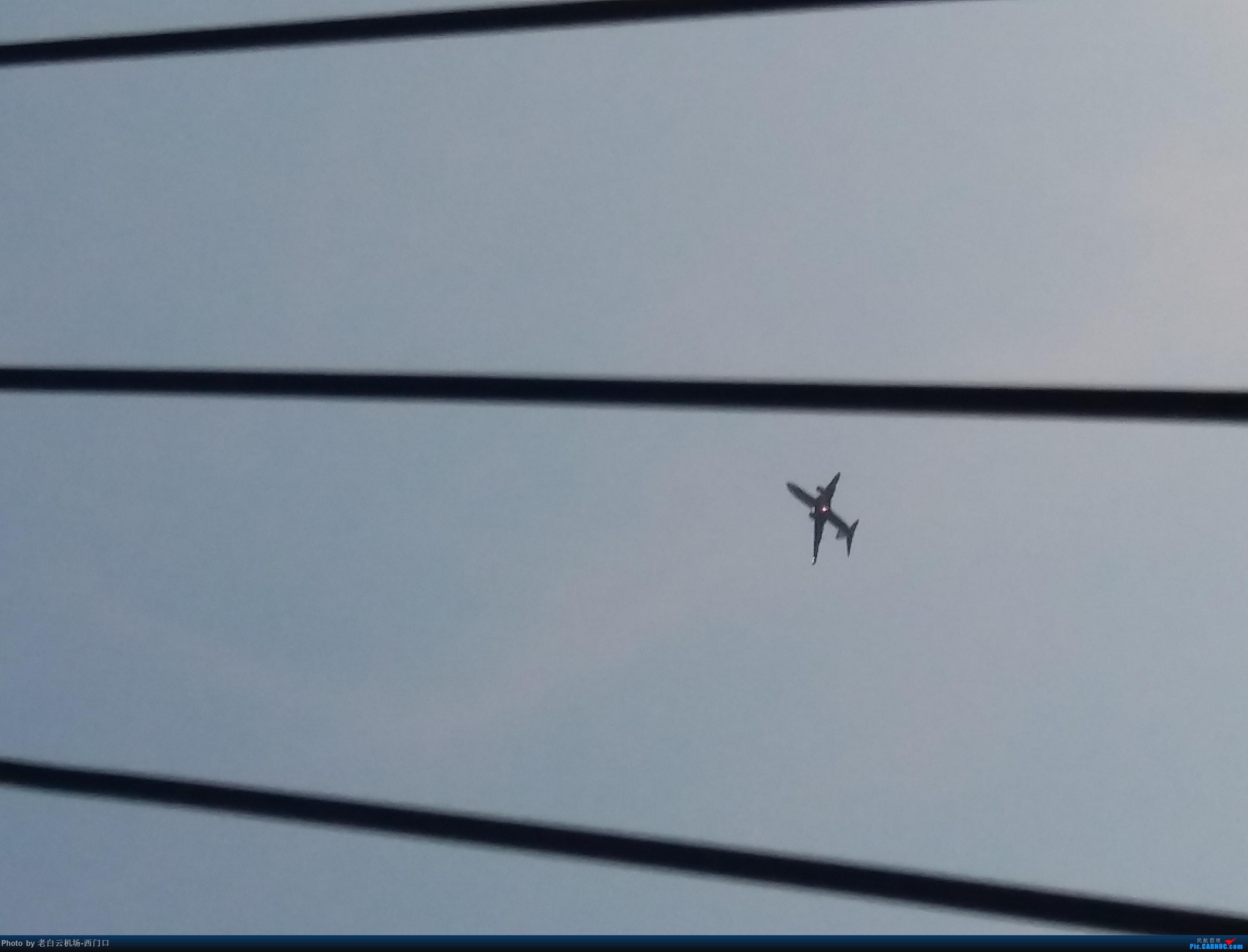 Re:[原创]我的拍飞机心情(广州) BOEING 737-800 不明 中国广东省广州市荔湾区西门口广场上空