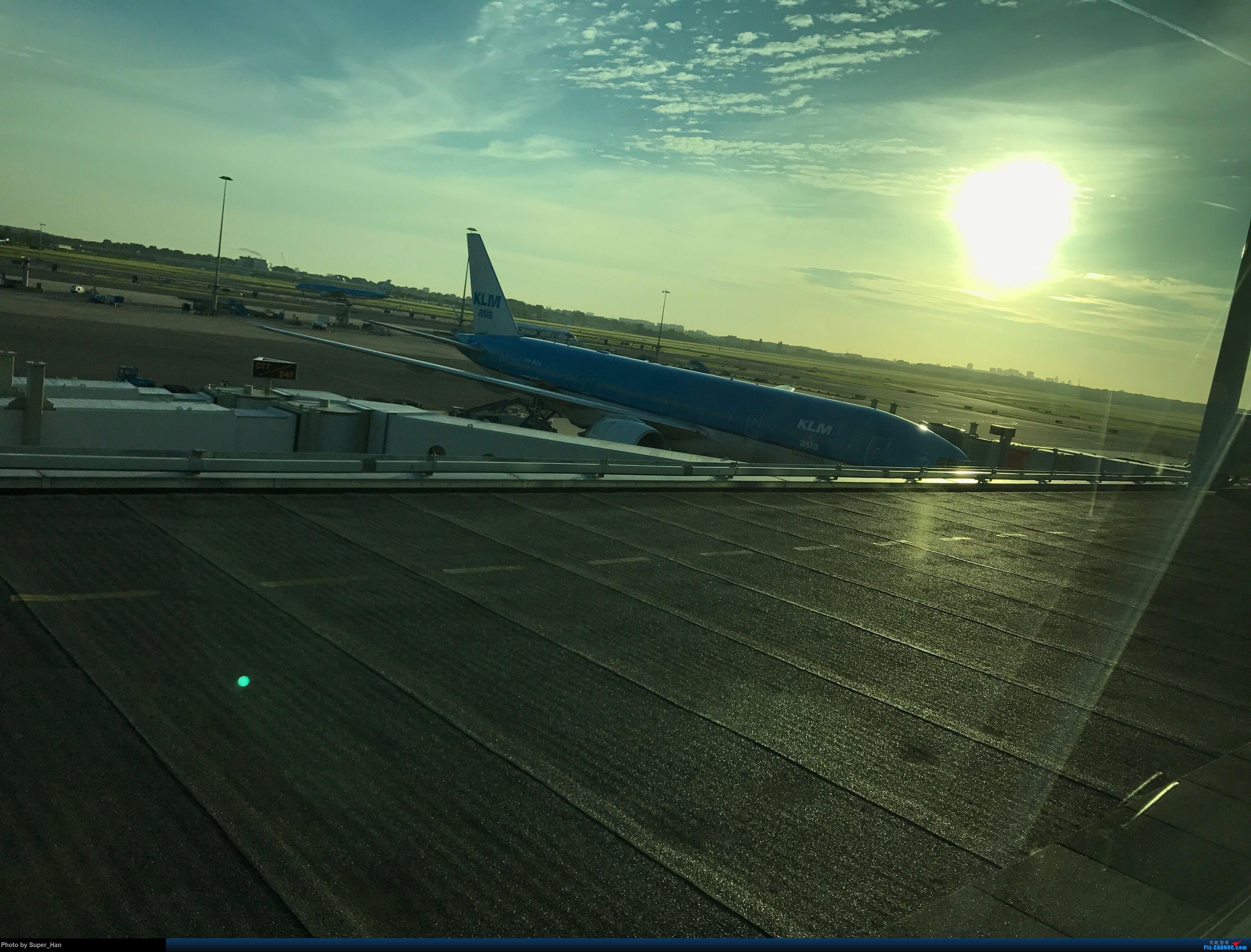 [原创]AMS 0723见 BOEING 777-200 PH-BQK 荷兰阿姆斯特丹史基浦机场