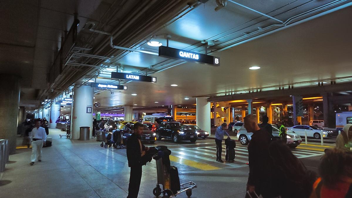 Re: [原创]【 半球冬夏·洛城快达 | 袋鼠全新 789 | 丛林流浪号·直航 LA 】    美国洛杉矶机场