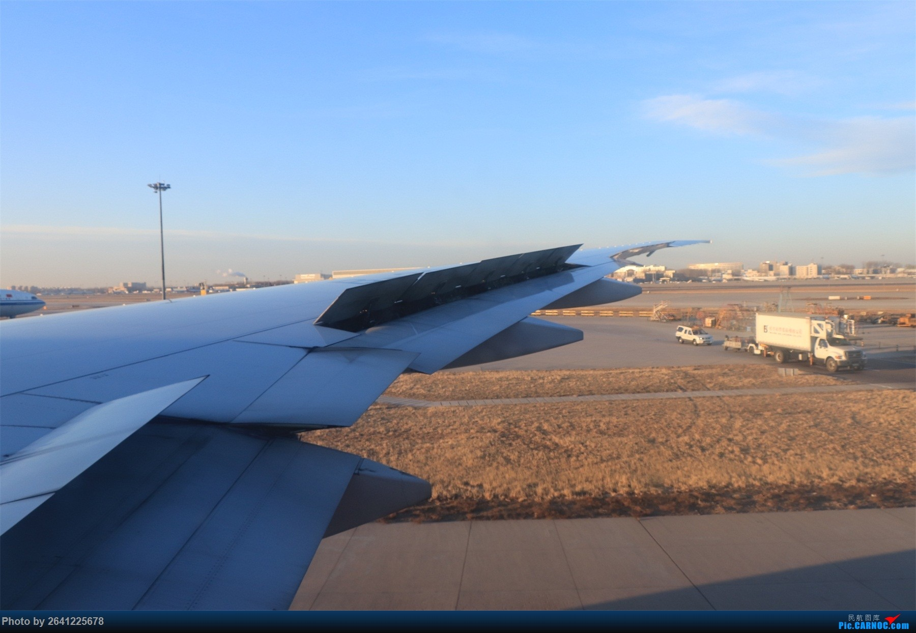 Re:【小周游记第6集】淳朴滇东南 | 虽赶上降温,但人心却是暖暖的。(首次体验国航77w,东航737max8,昆明拍机另发) BOEING 777-300ER B-2047 中国北京首都国际机场