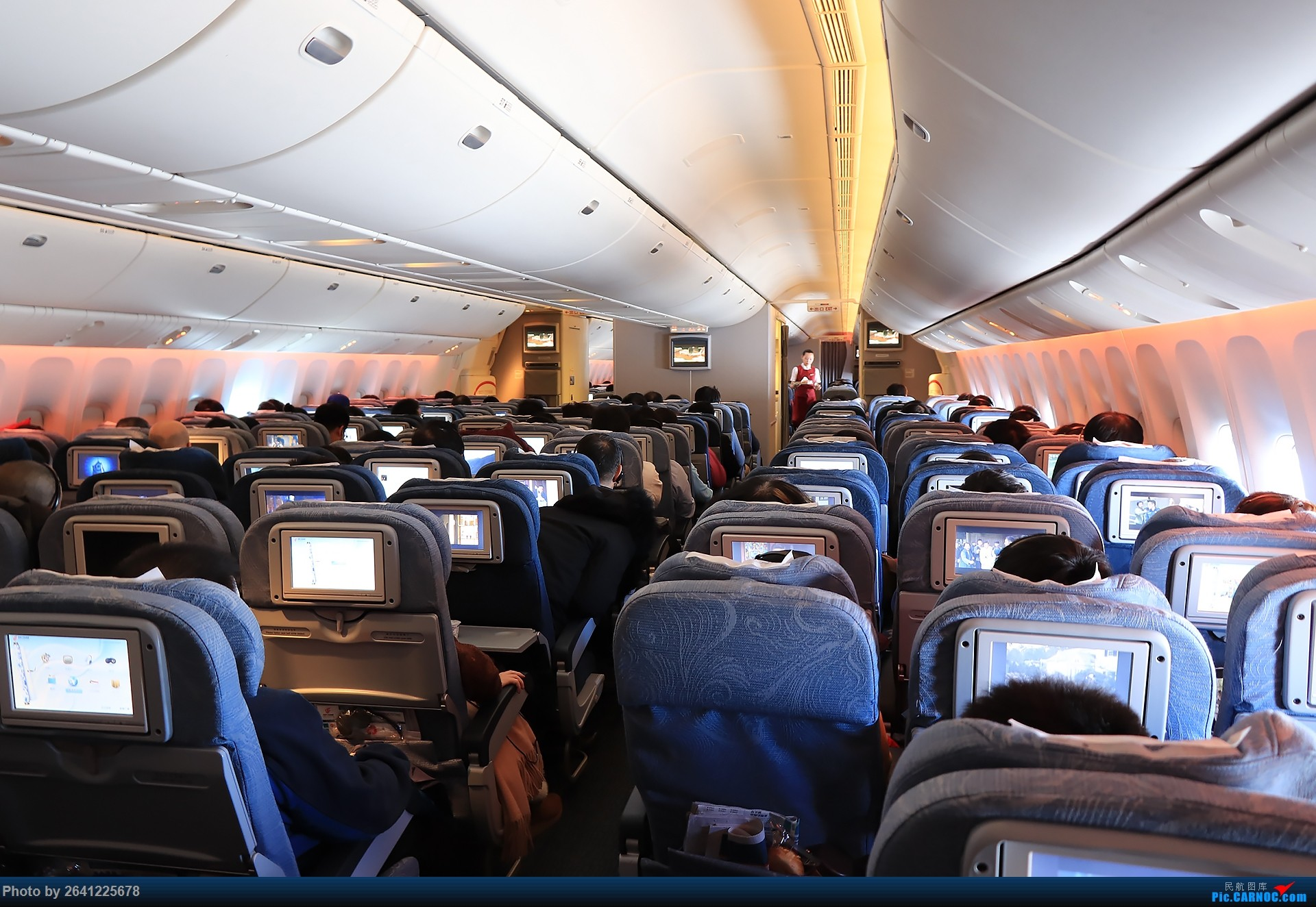 Re:[原创]【小周游记第6集】淳朴滇东南 | 虽赶上降温,但人心却是暖暖的。(首次体验国航77w,东航737max8,昆明拍机另发) BOEING 777-300ER B-2047 中国北京首都国际机场