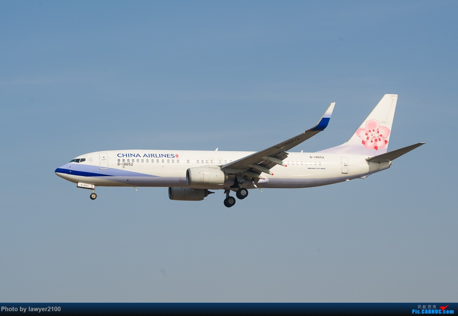 Re:[原创]HGH-----鸡年拍机收官战 BOEING 737-800 B-18652 中国杭州萧山国际机场