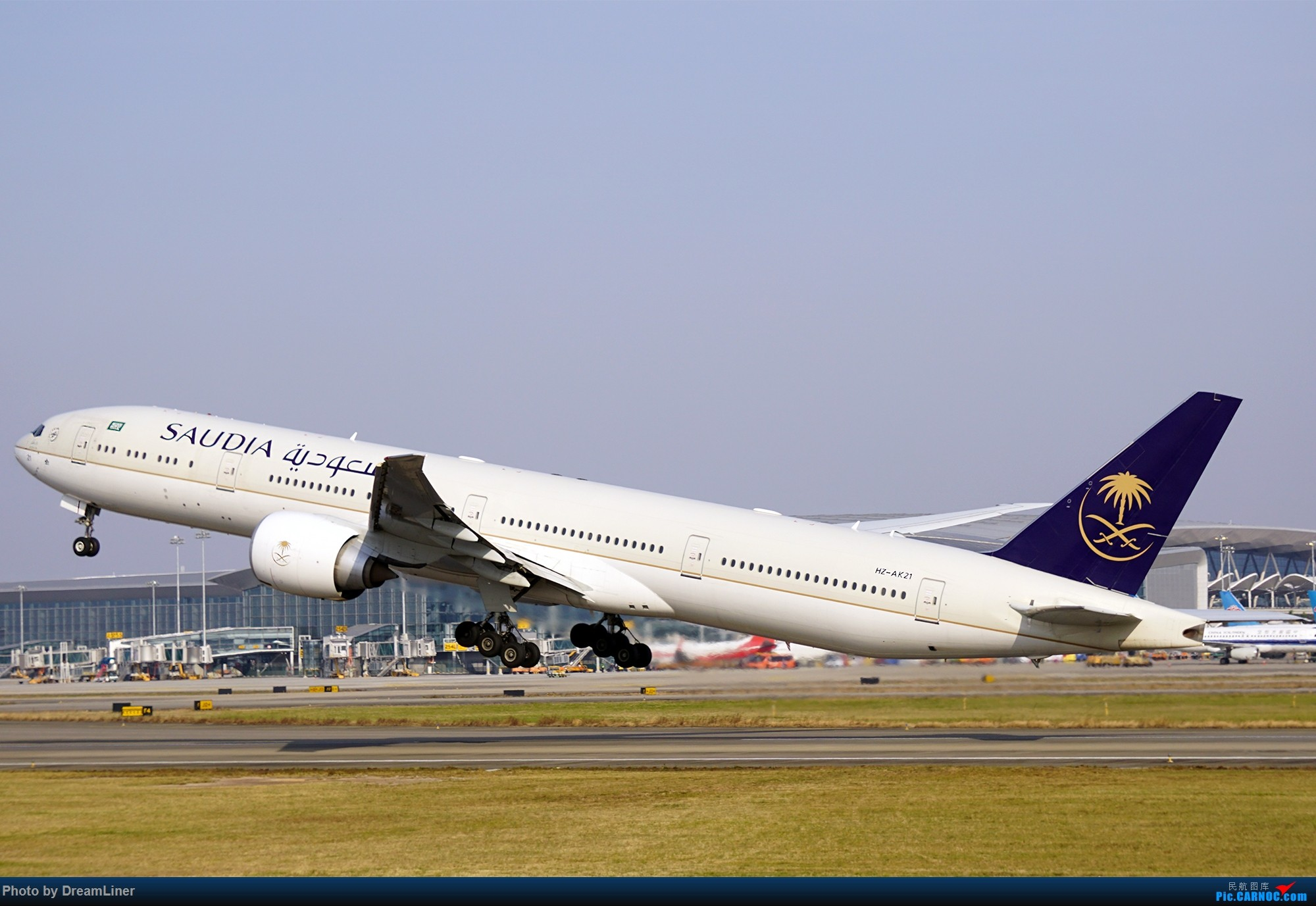 Re:17年暑假和今年寒假的ZGGG拍机成果 BOEING 777-300ER HZ-AK21 中国广州白云国际机场