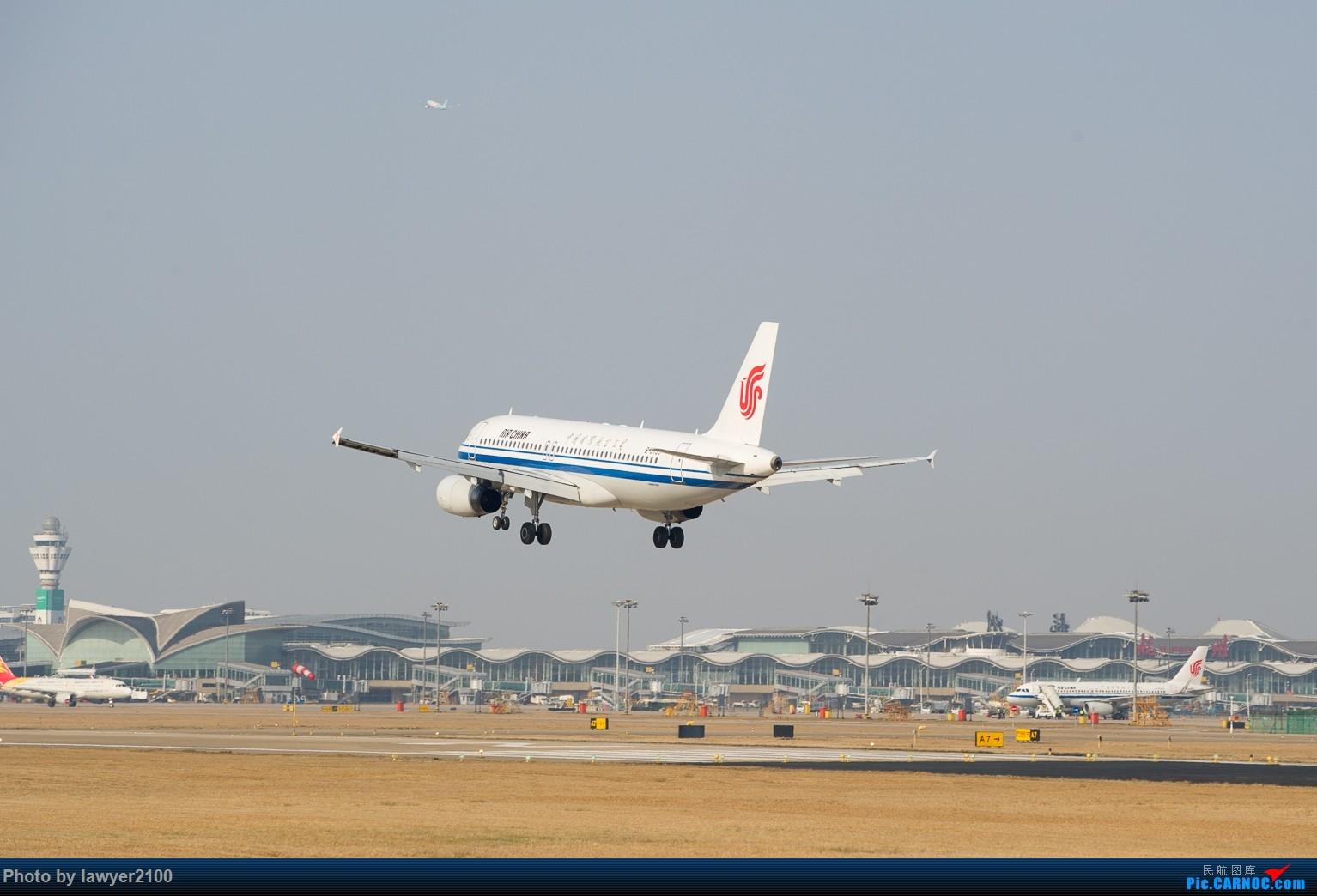 Re:[原创]HGH——背影套图 AIRBUS A320-200 B-6733 中国杭州萧山国际机场