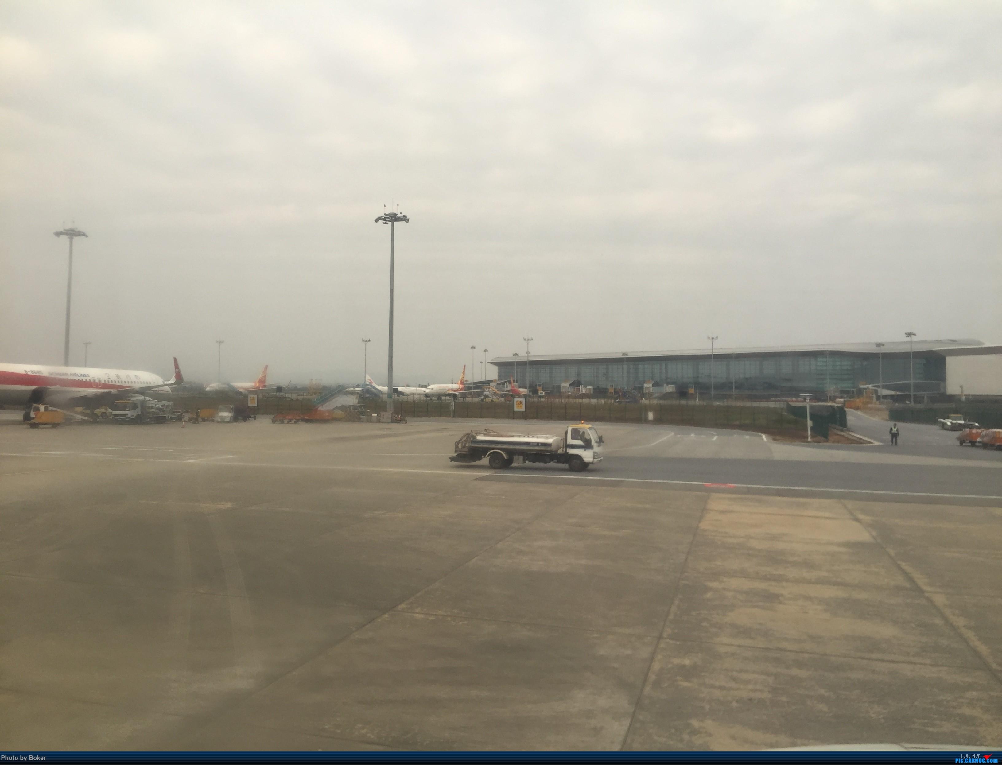 Re:[原创]「BoKer的飞行游记」新人首次发帖 中国东方航空 广州-台州 HONGDU N5A B-8615 中国广州白云国际机场