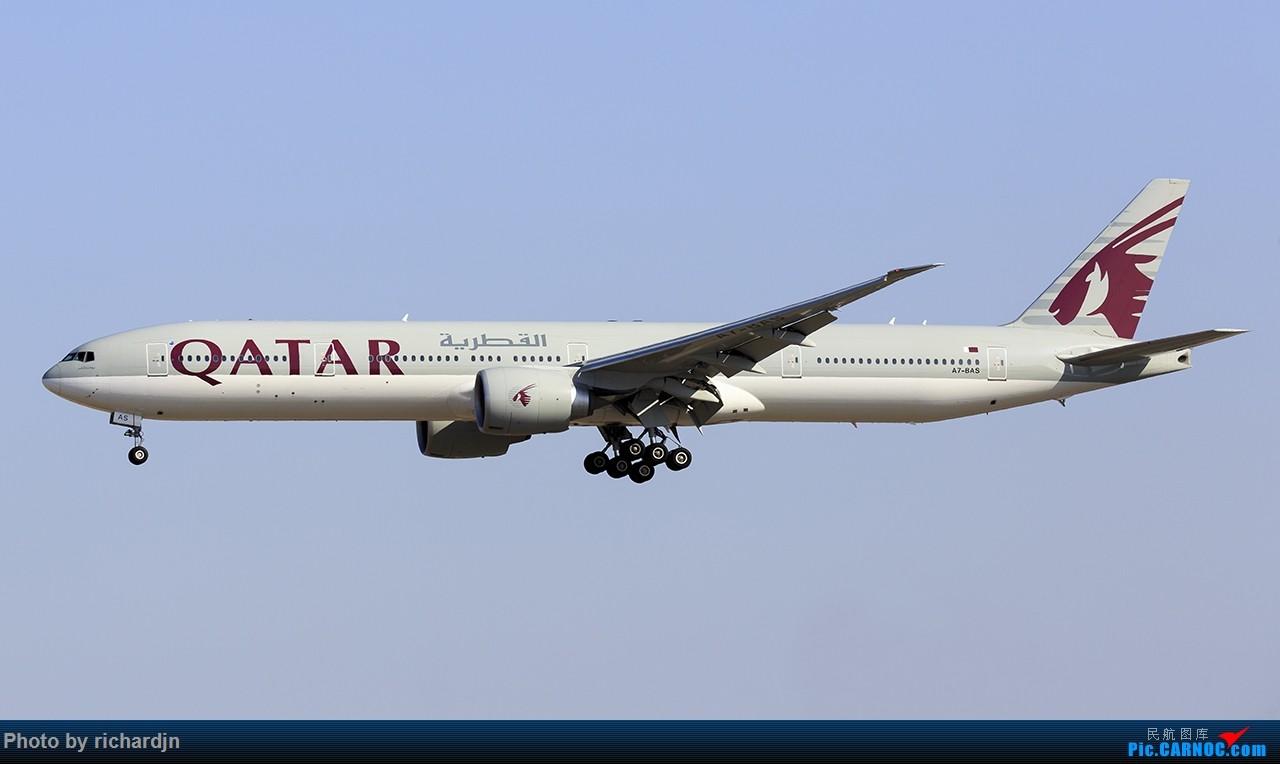 卡航777-300 ZBAA 01 BOEING 777-300 A7-BAS 中国北京首都国际机场