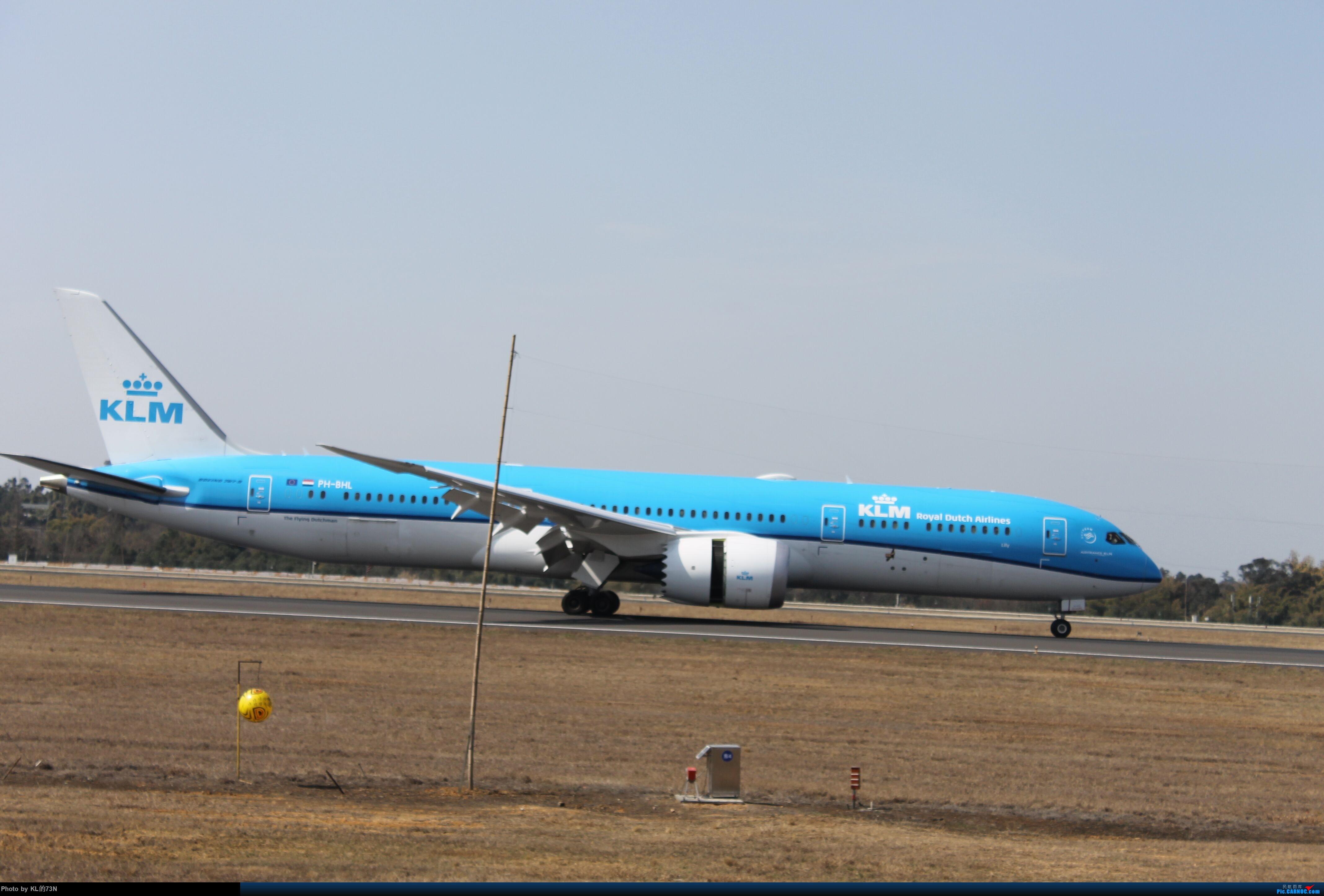 [原创]新人CTU摄(请自动忽略图片里的杆子) BOEING 787-9 PH-BHL CTU啊