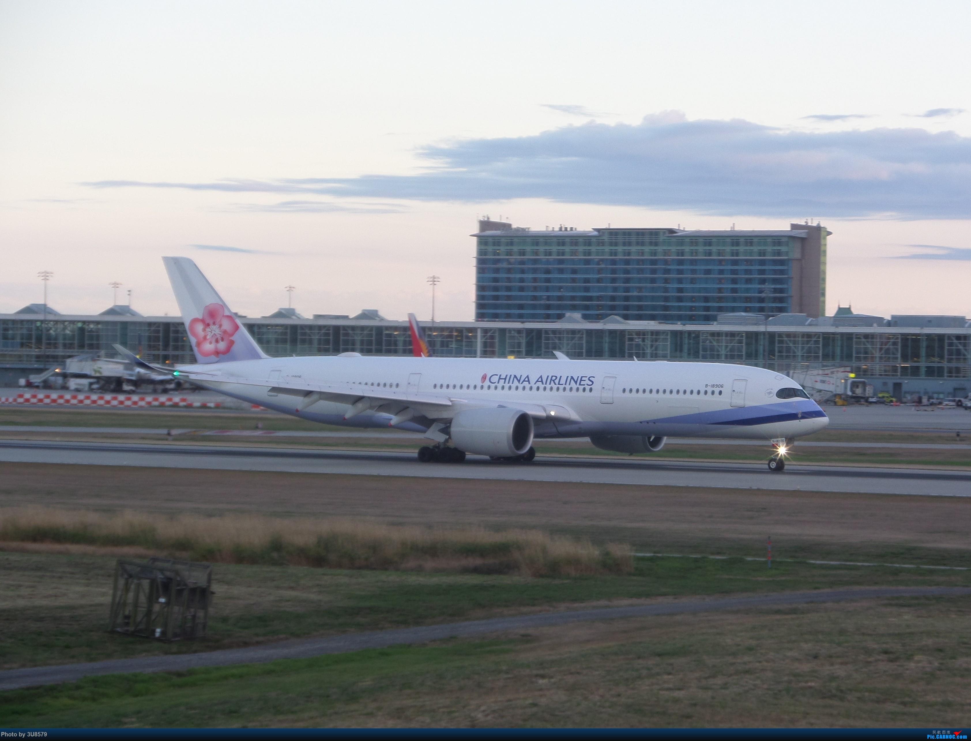 Re:[原创]YVR温哥华拍机 AIRBUS A350-900 B-18906 加拿大温哥华机场