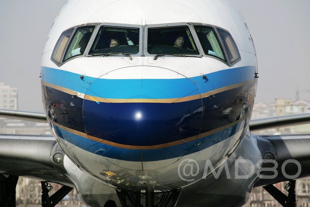 Re:[原创][DLC内场]告别757 BOEING 757-200 B-2818 中国大连国际机场