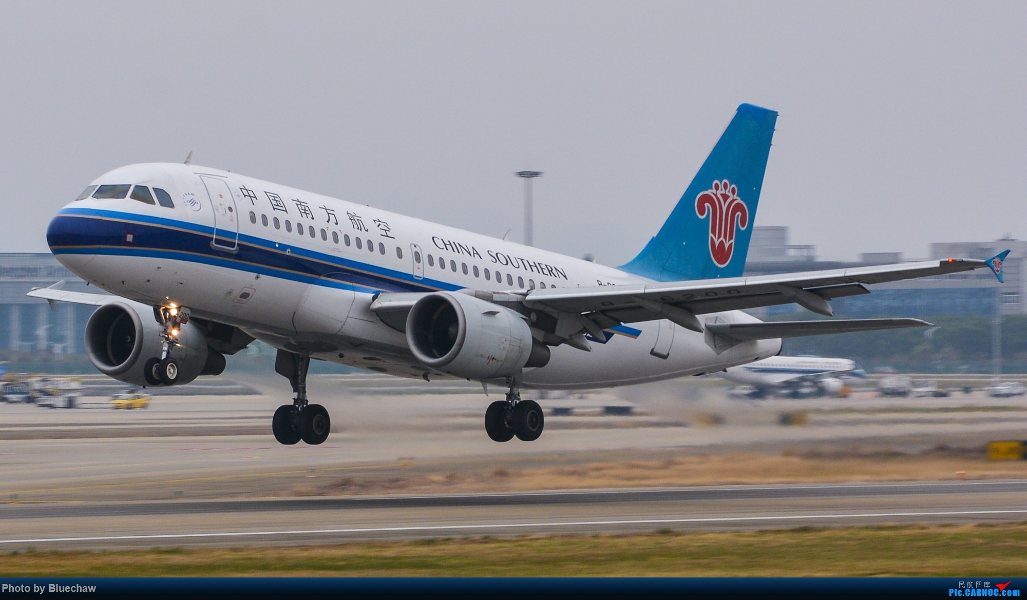 Re:[原创]新人第二贴,白云烂天拍机 AIRBUS A319-100 B-6200 中国广州白云国际机场