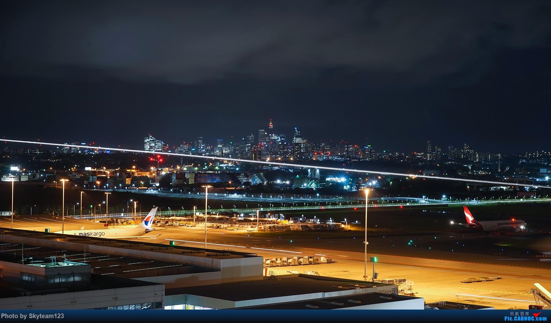 Re:[原创]【SYD】解锁T1国际航站旁停车场顶楼拍机位 下午16R抵达的好货们以及夜拍轨迹    澳大利亚悉尼金斯福德·史密斯机场