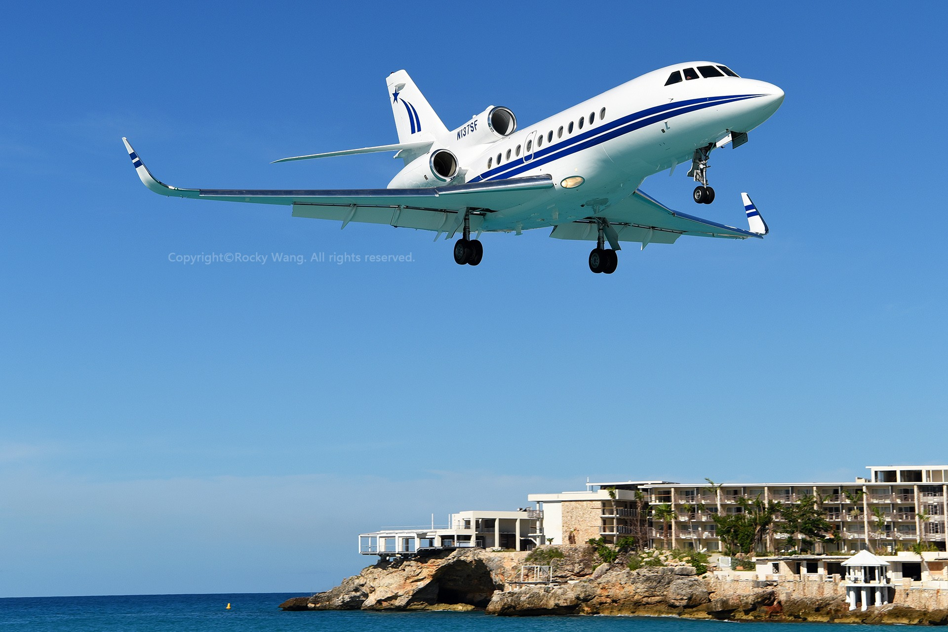 Re:[原创]My endless Caribbean dream——圣马丁朱莉安娜公主机场拍机记 DASSAULT FALCON 900EX N137SF 荷属安的列斯群岛朱利安娜公主机场