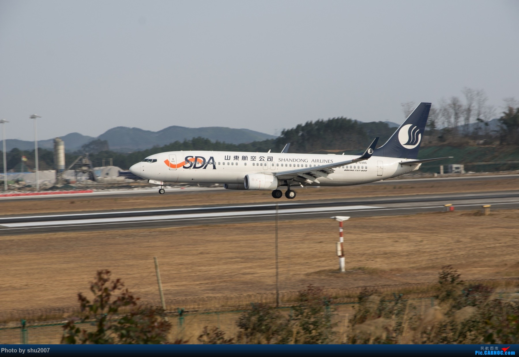 Re:[原创]发些桂林机场 BOEING 737-800 B-6986 中国桂林两江国际机场