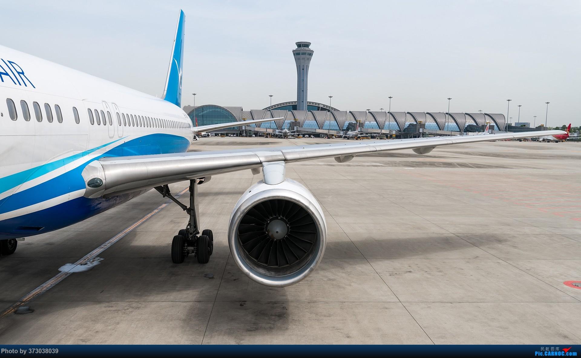 Re:今天终于上了空中美男子 白鹭波音757